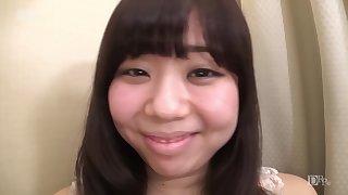 Sakuragi Momoka I Was Apprehensive At A Private Photo Session Eh Prat You Hold A Nani