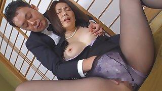 Japanese horny mommy amazing porn clip